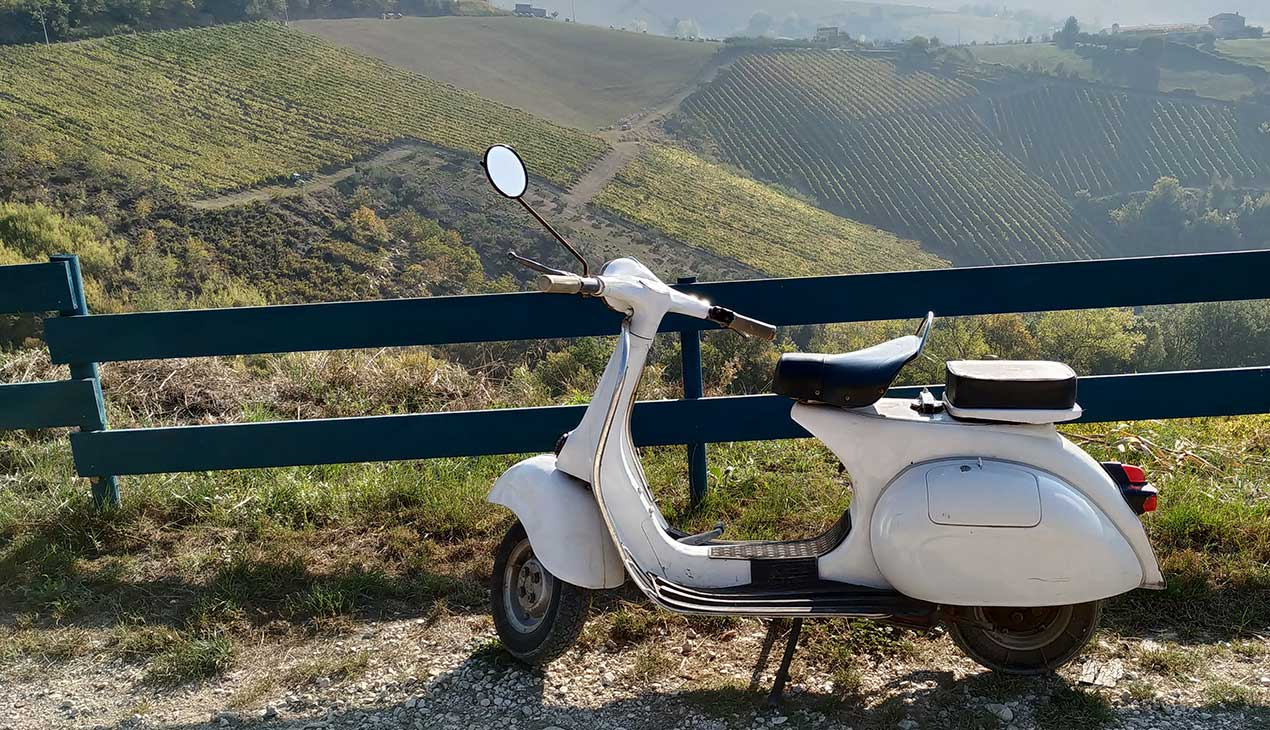 Agricola Lanciani | Gallery: un giro in Vespa per il terreno